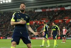 Arsene Wenger has claimed that both Olivier Giroud and Danny Welbeck deserve ...