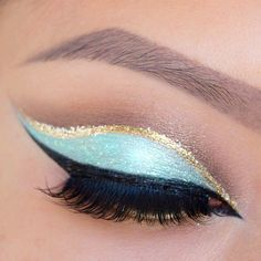 Cut crease eye makeup #blueandgold