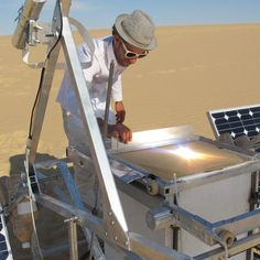 Markus Kayser - Solar Sinter 3D-printing machine at work in the desert, making glass objects by melting sand with sunlight.