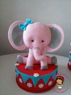 Elefante em feltro Tema circo ateliedanyoliveira@gmail.com