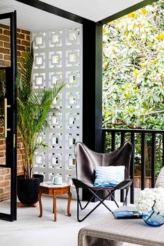 Black and brick outdoor area. Outdoor Spaces, Outdoor Chairs, Outdoor Living, Outdoor Decor, Maximalist Interior, California Bungalow, Melbourne House, Luxury Pools, Australian Homes