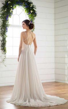 Luftiges A-Linie Brautkleid | Essense of Australia Wedding Gowns