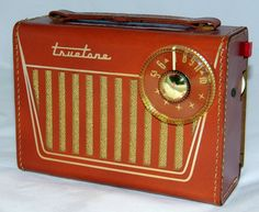 https://flic.kr/p/zRn7Cm | Vintage Truetone Portable Tube Radio, Model DC3880, AM Band Only, 4 Tubes, Battery Operation, Circa 1958