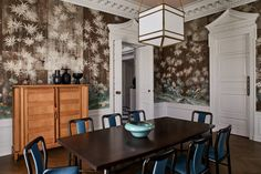 TV executive Patrick Moran and his partner called on designer Christos Prevezanos to assist with modernizing their French neoclassical-style house Gracie Wallpaper, Go Wallpaper, Hancock Park, Traditional Dining Rooms, Brass Bed, Curved Sofa, Colonial Architecture, Grand Homes, Park Homes