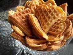 ¿Cómo hacer waffles? Aquí tienes una receta sabrosa para el desayuno y también la hora del té!!! #Waffles_caseros #recetas #desayuno #dulces #caseros