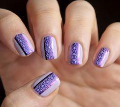 mauve nail stamping | Publié par Carole O. à 15:00