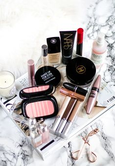 What's in my makeup bag: August. August is quickly coming to an end, but I can't let it leave before showing you what's inside my makeup bag…