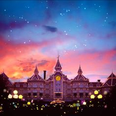 Disneyland Hotel (Disneyland Paris) - maybe the place to stay next time?!