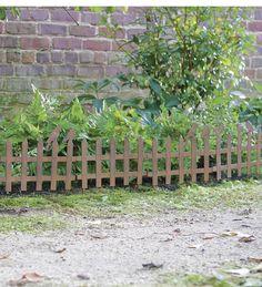 Elegant Set Of 6 Rustic Metal Picket Fence Garden Edging With Birds