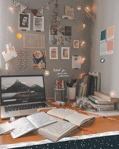 Study Room Decor, Study Rooms, Cute Room Decor, Study Space, Room Ideas Bedroom, Study Areas, Uni Room, Aesthetic Room Decor, Study Motivation
