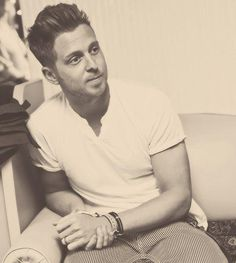 Ryan Tedder. Lead Singer of OneRepublic. Songwriter( Beyonce, Adele). Music Produces and Multi-Instrumentalist. This Man Is AMAZING!