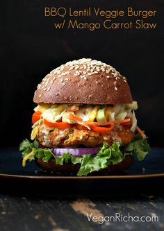 Bbq Lentil Veggie Burger With Mango Carrot Slaw. BBQ Lentil Veggie Burger with Mango Carrot Slaw Vegan Recipe vegan burger with coleslaw - Vegan Coleslaw Burger Recipes, Veggie Recipes, Vegetarian Recipes, Healthy Recipes, Vegetarian Burgers, Vegan Vegetarian, Healthy Fats, Lentil Veggie Burger, Vegan Coleslaw