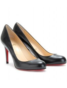 de03c2f89599 Welcome to my wardrobe classic black Louboutin heels ! Black Louboutin  Heels