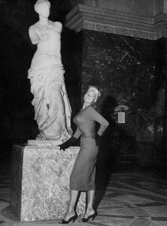 Greek Antiquity, Jayne Mansfield, Aphrodite, Classic Hollywood, Movie Stars, Louvre, Actresses, Stock Photos, Poses