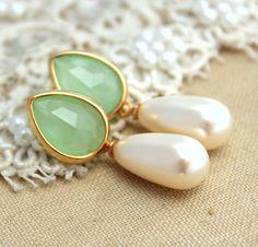 Mint Green Bridal jewelry Pearls Rhinestones and gold by iloniti, $46.00