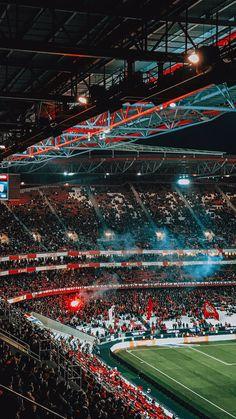 Football Stadium Wallpaper, Football Wallpaper Iphone, Soccer Stadium, Football Stadiums, Iphone Wallpaper, Manchester United Old Trafford, Manchester United Team, Manchester United Wallpaper, Hd Cool Wallpapers