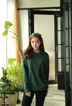 CLICK - Plaid Pocket Sweatshirt #sweatershirt #plaidpocketsweatershirt #pocketsweatershirt