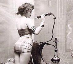 1900s - Dope Girl in New York Opium Den   Босоногое детство я провел в колхозе миллионере на китайской границе. А миллионером был потому что выращивал ... мак. В конце Николаевки стоял пост милиции и без…