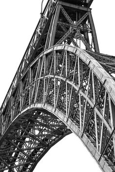 The structure of the Eiffel.