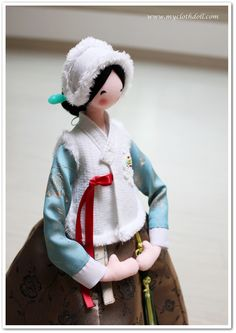Doll Sewing Patterns, Chrochet, Oriental, Folk, Korea, Winter Hats, Culture, Amazing, Cloth Doll Making