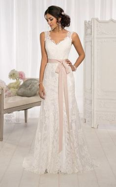 Wedding Dresses | Modern Vintage Wedding Dresses | Essense of Australia D1639