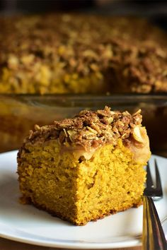 This pumpkin cake with apple crisp topping is a quick and easy cake recipe! Bake the best pumpkin cake using Granny Smith apples, rolled oats, pumpkin pie spice, pumpkin puree, and applesauce. You will love baking this apple and pumpkin recipe for a fall dessert or Thanksgiving dessert!