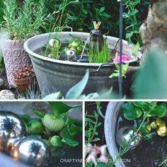 DIY für einen Mini-Teich. Wie du aus einer alten Zinkwanne, kleinen Teichpflanzen und ein bisschen Deko eine erfrischenden kleinen Teich für deinen Garten oder Balkon machen kannst. Mehr auf Craftyneighboursclub.com