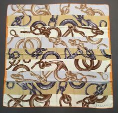 26 meilleures images du tableau foulard en soie Céline   Celine ... 8b69b02b1a6