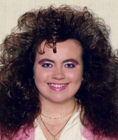 View the Funniest & Most Awkward Glamour Shots Pictures at Awkward Family Photos. 1980s Glamour, Funny Family Photos, Funny Photos, Funny People Pictures, Awkward Family Photos, White Eyeshadow, 80s Hair, Bad Picture, Glamour Shots