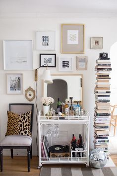 5 Ways to Decorate with Books  #theeverygirl