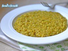 Il risotto integrale zucchine e curcuma è un primo piatto molto semplice da preparare, leggero e buono! Per mangiare con gusto anche se siete a dieta!