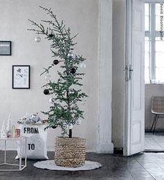 Bloomingville Kerstdecoratie 2015 Collectie – Scandinavisch Design Kerst Accessoires als Waxinelichthouders, Kerstballen en Kersthangers voor de Kerstboom, Kerstlijsten en Manden. (Bloomingville op DroomHome.nl)