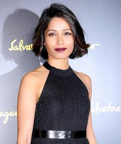 Frieda Pinto looking flawless with a wine lip and thick liner