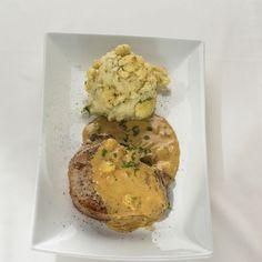 Varkenskotelet met blackwellsaus en bloemkool puree