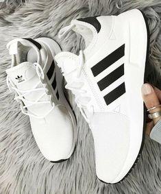 213 bästa bilderna på Skor | Skor, Kläder och Mode