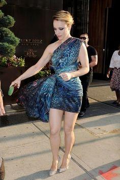Rachel Mcadams Legs, Rachel Anne Mcadams, Rachel Macadams, Evan Rachel Wood, Rachel Rachel, Great Legs, Up Girl, Beautiful Legs, Legs