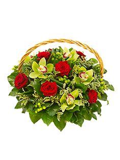 Купить орхидеи в Москве. Бесплатная доставка в самый короткий срок. В нашем каталоге интернет-магазина Flower-shop.ru широкий выбор красивых живых цветов орхидеи, букетов, композиций на любой вкус. Заказ по тел. 8 (800) 775-9515.
