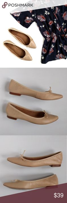 Corso Como Recital Pointy Toe Nude Ballet Flats Smooth leather and a dainty bow refine a slim, versatile flat fashioned with a perfectly pointed toe. The grosgrain topline conceals elastic cording that can be adjusted for a perfect fit.  Slip-on style.  Padded footbed.  Leather upper and lining/synthetic sole.  These are very comfortable and have been gently worn. There is some wrinkling on the toe which can be seen in pic 5 and at the heels which can be seen in pic 6. Sorry, no trades…