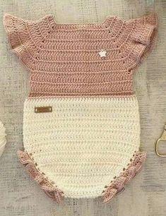 Ideas for baby crochet dress vestidos Baby Girl Crochet, Crochet Baby Clothes, Crochet For Kids, Baby Knitting Patterns, Baby Patterns, Crochet Patterns, Crochet Bikini, Knit Crochet, Baby Kostüm