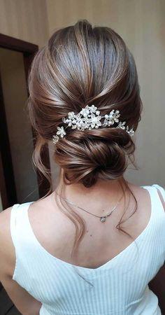75 Romantic wedding hairstyles Long Hair Wedding Updos, Wedding Hairstyles For Medium Hair, Wedding Hair And Makeup, Bride Hairstyles, Hairstyle Wedding, Hairstyle Ideas, Curly Hairstyle, Romantic Wedding Hairstyles, Bridal Makeup