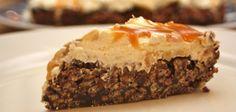 Rice Krispies-kaka með karamellusósu