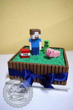 bolo Kit Kat - Minecraft World Minecraft Torte, Minecraft Pasta, Minecraft Cupcakes, Minecraft Birthday Cake, Easy Minecraft Cake, Minecraft Houses, Minecraft Skins, Minion Cupcakes, Lego Minecraft