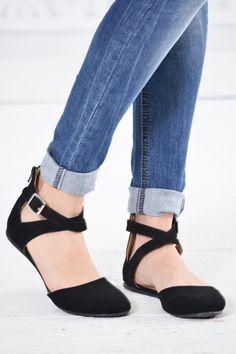 Black Close Toe Sandal - My Sisters Closet