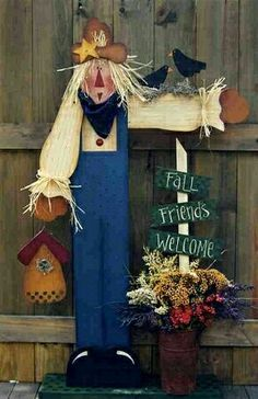 Scarecrow Crafts, Fall Scarecrows, Wood Craft Patterns, Painting Patterns, Fall Halloween, Halloween Crafts, Fall Wood Crafts, Fall Friends, Wood Shop Projects