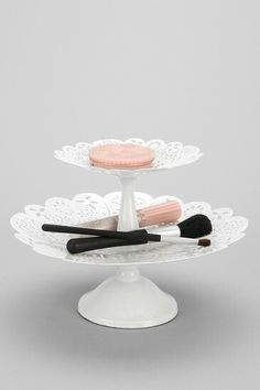 Lace pattern tiered tray