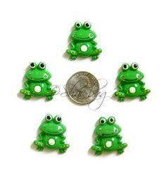 Frog cabochon flatback resin centerpieces. 5 pc by Shaebugsupply on Etsy