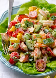 Greek Yogurt Shrimp, Avocado and Tomato Salad by ifoodreal #Salad #Shrimp #Avocado #Tomato #Yogurt #Greek #Healthy