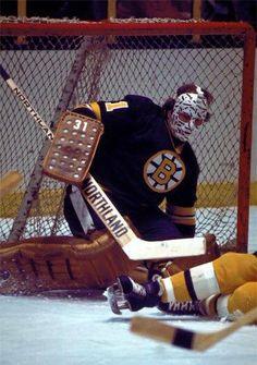 Hockey Goalie, Hockey Players, Ice Hockey, Nhl, Hockey Room, Boston Bruins Hockey, Goalie Mask, Good Old Times, Boston Sports