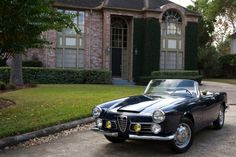 Alfa Romeo has always made cars with enticing looks, until recently. I hope the 4c brings back those days.
