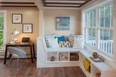 As seen on Vacation House for Free, host Matt Blashaw added a bench next to a window that overlooks the lake. Liked @ www.homescapes-sd.com #staging San Diego home stager (760) 224-5025 #vacationhouseforfree #vacationhouse #HGTV